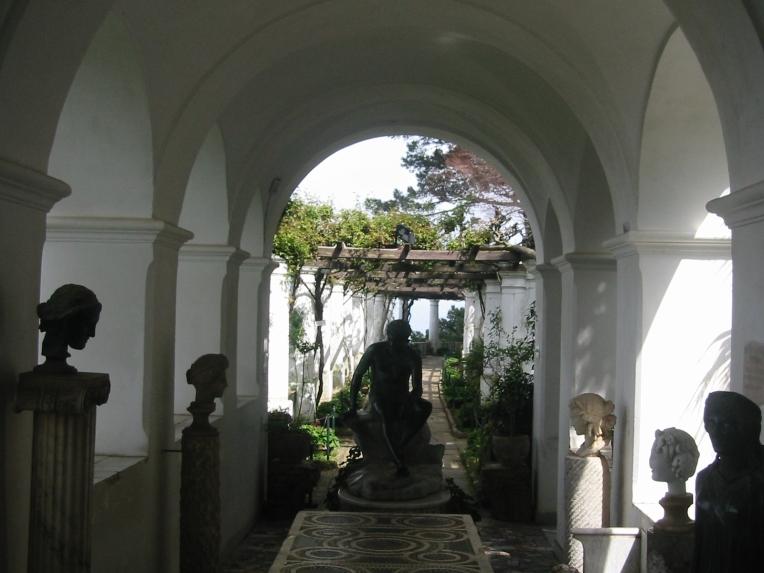 Sculptor Court