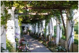 Colonaded Pergola in the Garden