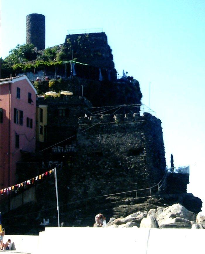 Ristorante al Castello, above the harbor of Vernazza