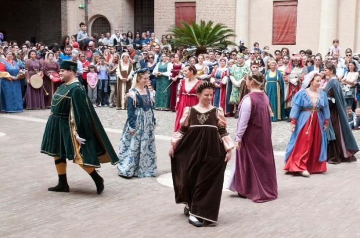 Medieval dancing in Ferrara