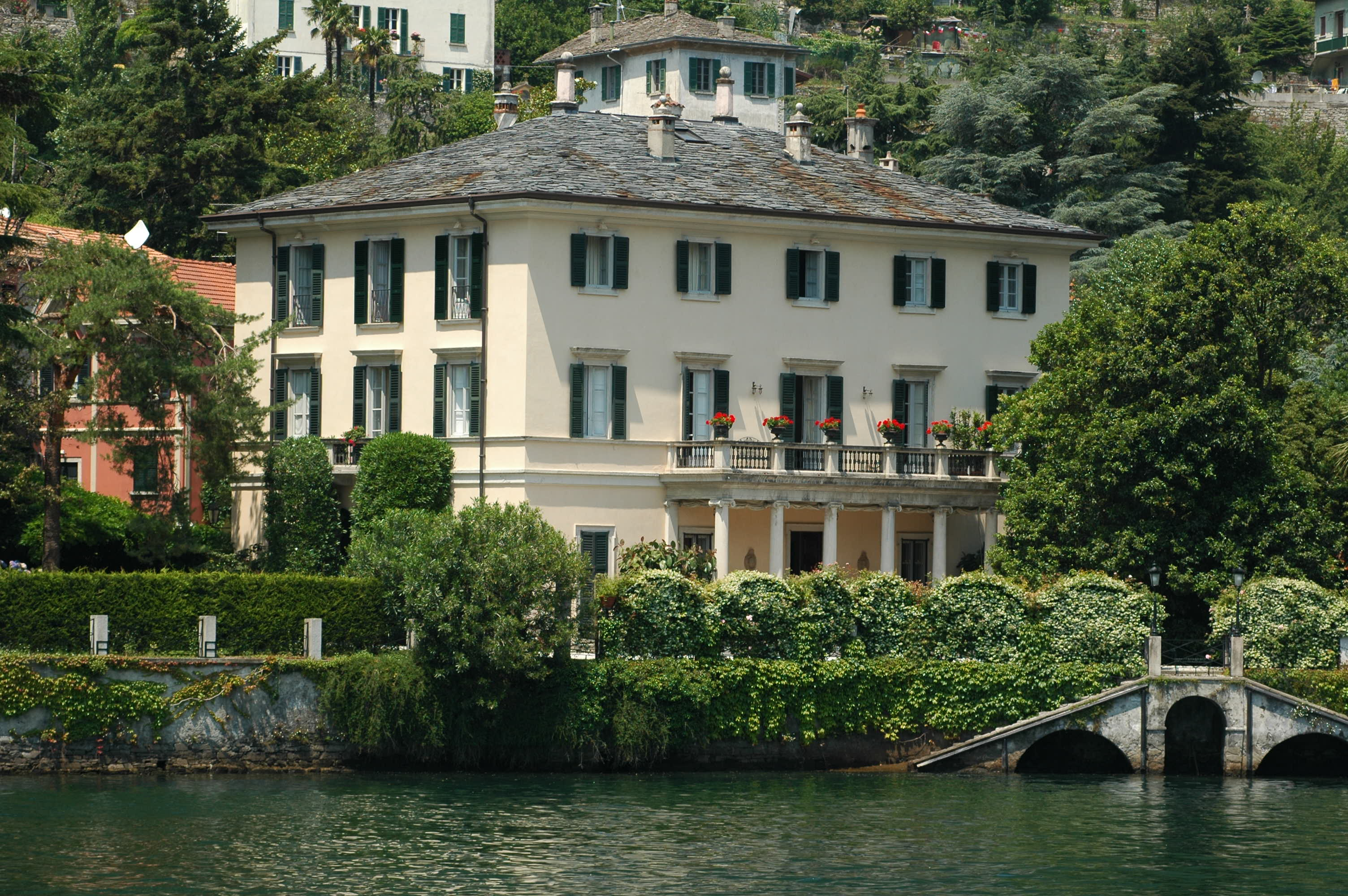 Mt vesuvius timeless italy travels for Lake house in italian