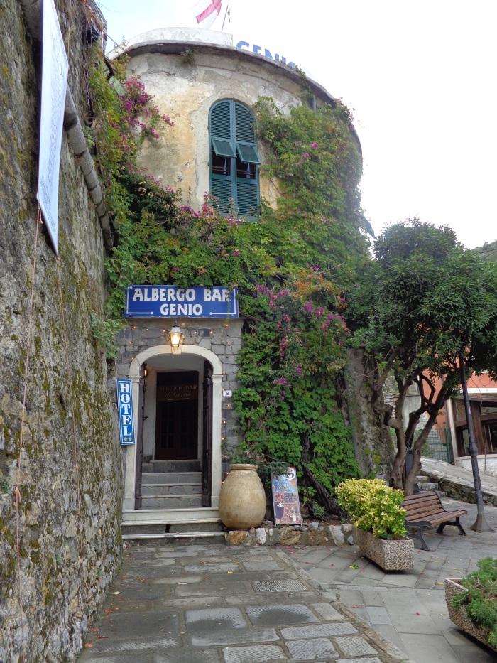 Genio-Bar and Hotel