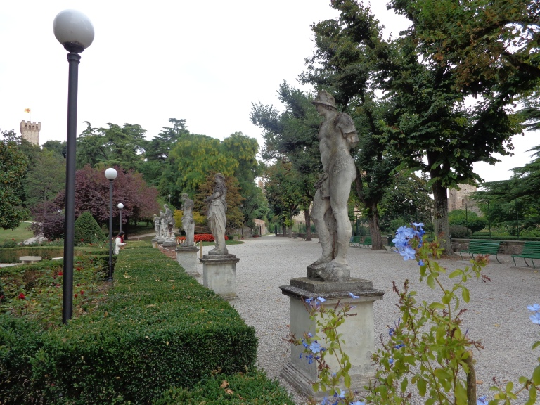 Statues in the Castle of Este gardens