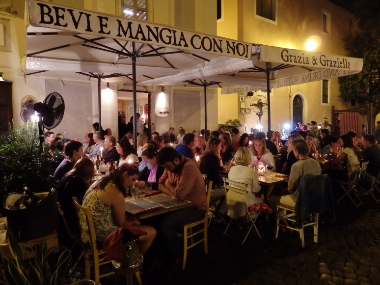Outdoor restaurant in Trastevere