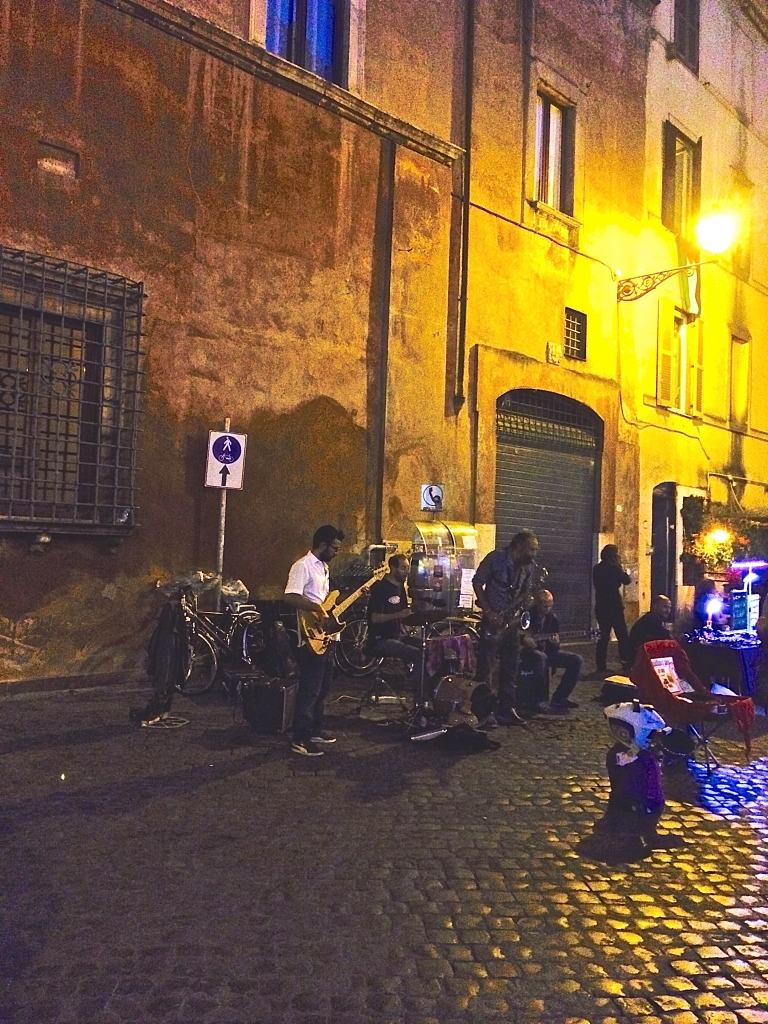Street bands in Trastevere