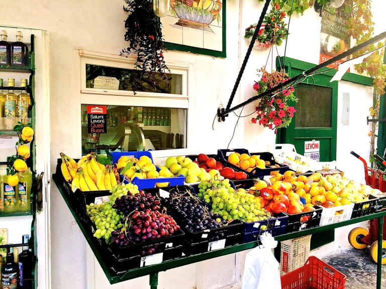 Ponza port produce stand