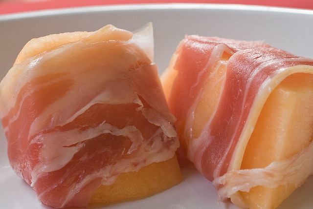 Prosciutto_with_melon
